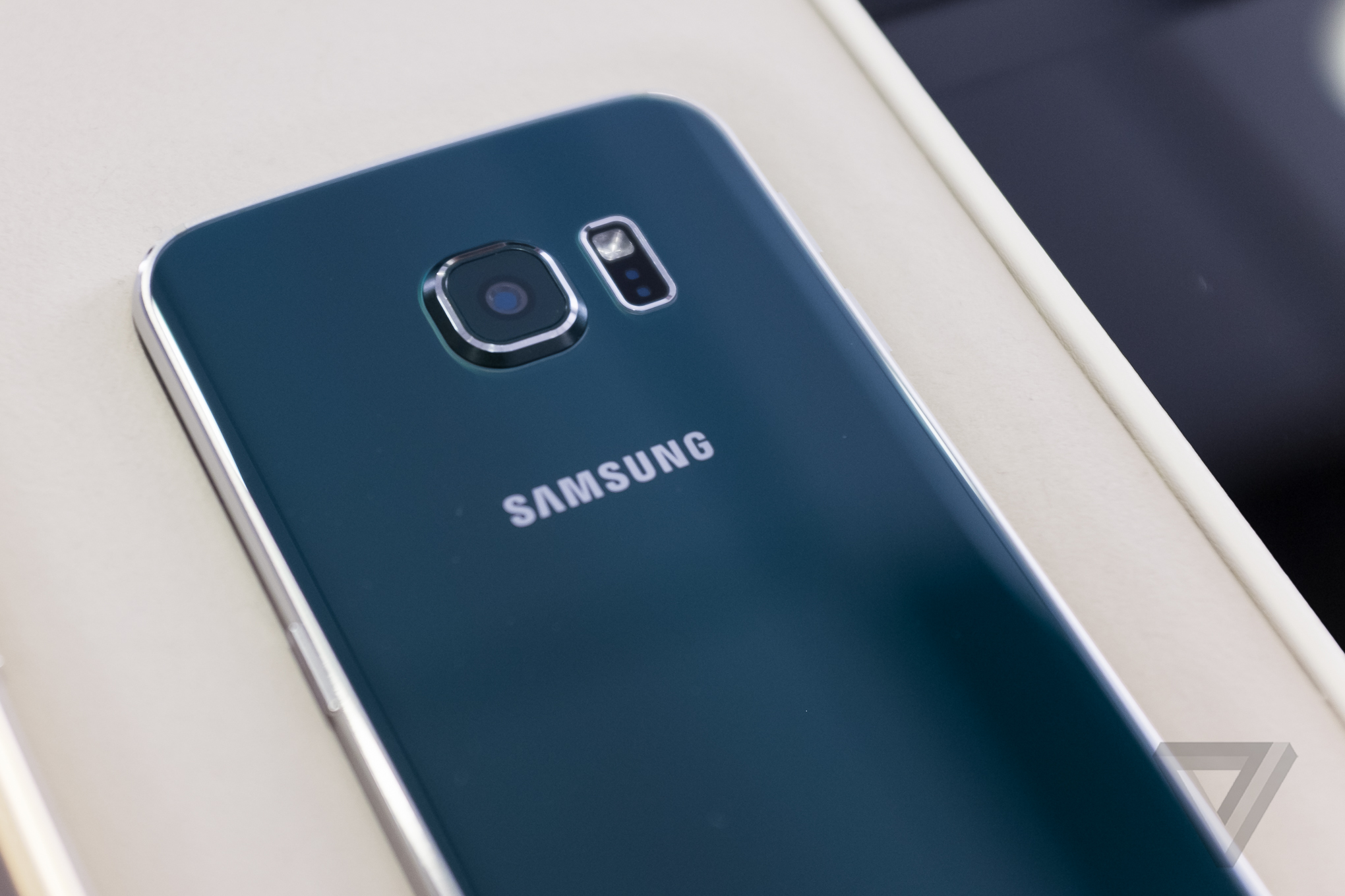 Galaxy-S6-Back.png